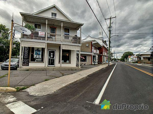 251-261 rue de l'Église, Napierville for sale