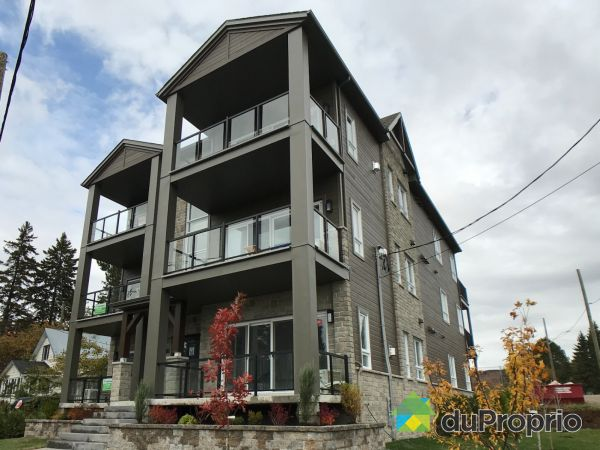261 rue Principale - 4½, St-Donat for sale