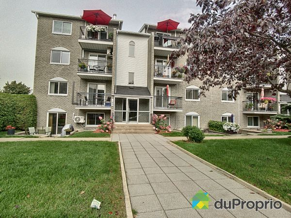 Front Balcony - 7-123 rue Lalande, Longueuil (Vieux-Longueuil) for sale