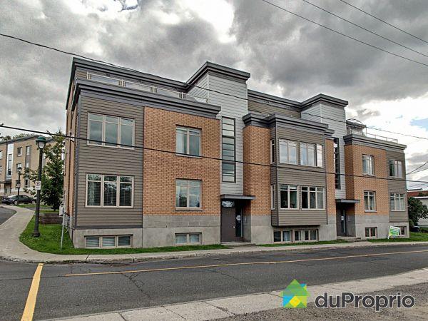 Buildings - 2-28 rue Saint-Joseph, Lévis for sale