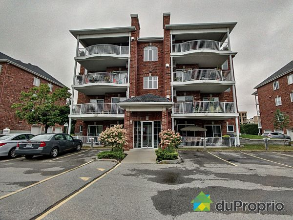 240-880 boulevard Laval, Chomedey for sale