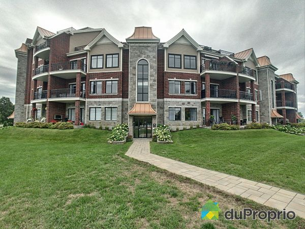 Entrance - 204-530 rue Martel, Chambly for sale