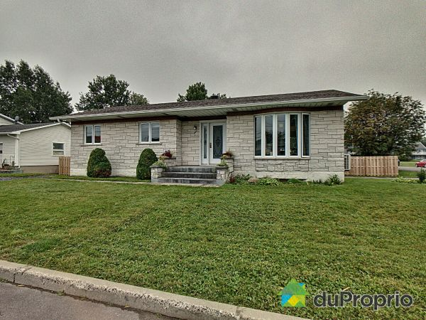 Summer Front - 229 rue Tardif, Ste-Croix for sale