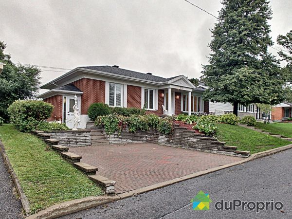 879 rue Philippe-Methe, Ste-Foy for sale