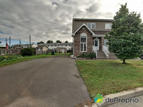 Summer Front - 21 rue Kenny, Lachute for sale