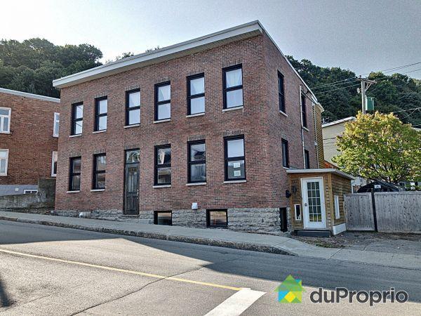 580-582, rue de l'Aqueduc, Saint-Sauveur for sale