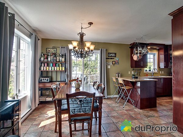 Eat-in Kitchen - 484 rue Trépanier, Granby for sale