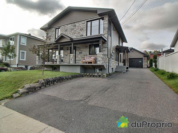Buildings - 292 rue Scott E, Alma for sale