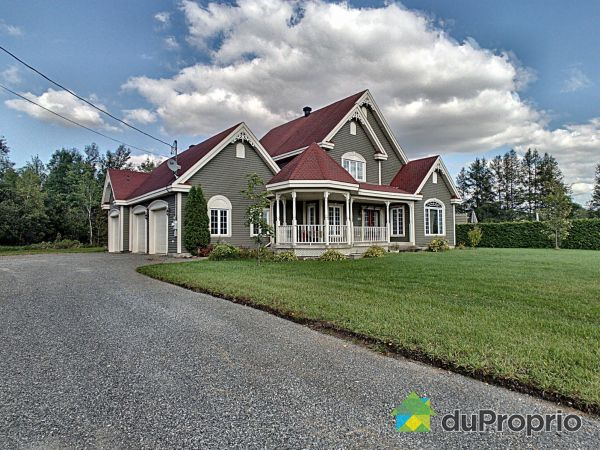Summer Front - 1117 rue Christophe-Colomb, Thetford Mines for sale