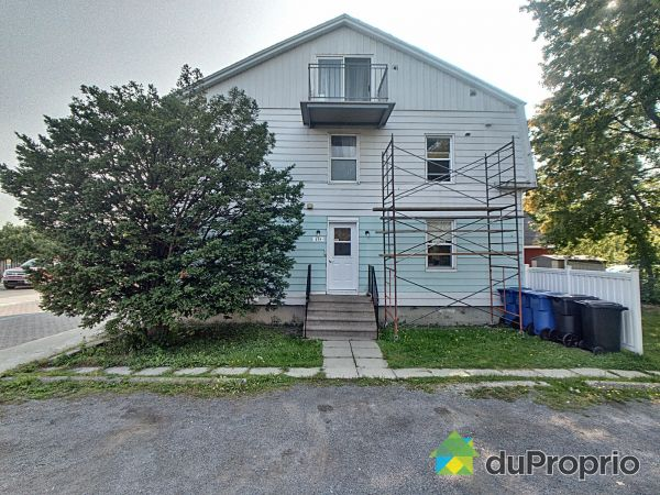 251 rue Petrozza, Chambly for sale