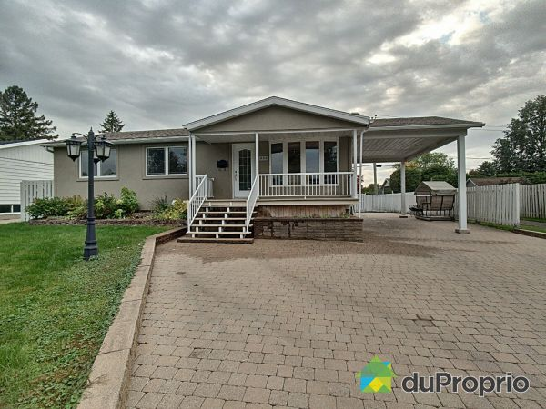 400 rue Papineau, St-Bruno-De-Montarville for sale