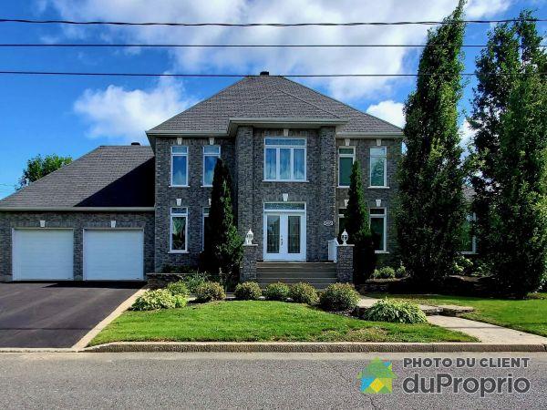 Summer Front - 985 rue de la Yamaska, Drummondville (St-Charles-De-Drummond) for sale