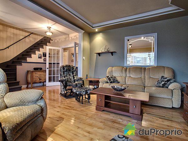 Salon - 546, rue Saint-Pierre, Rivière-Du-Loup à vendre