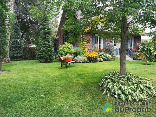 Summer Front - 12 rue Defoy, Victoriaville for sale