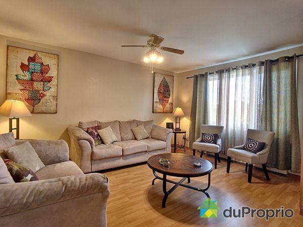 Salle familiale - 5850, rue Angèle, Brossard à vendre