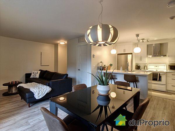 2-3660 rue Fernand-Flipot, Longueuil (St-Hubert) for sale