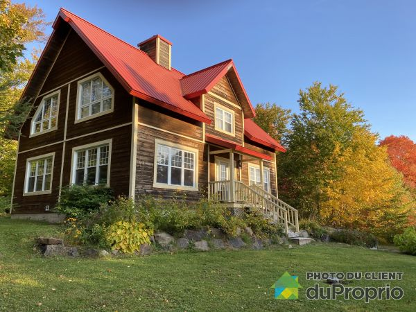 Summer Front - 8 chemin Cerniat, Lac-Beauport for sale