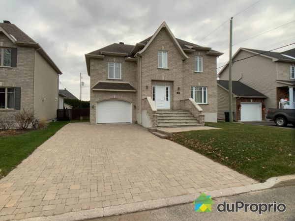 52 rue Pierre-Nolin, St-Jean-sur-Richelieu (St-Luc) for sale