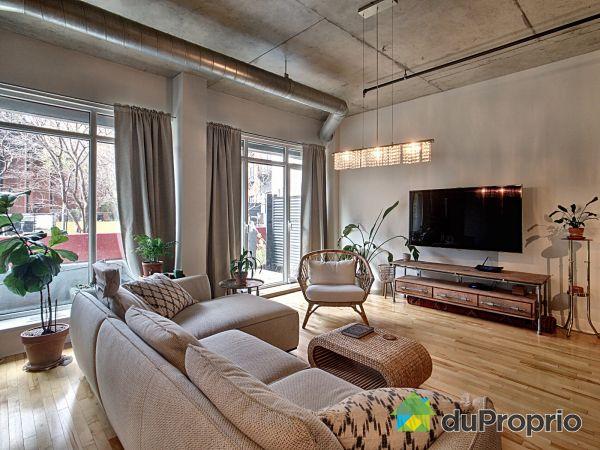 Living Room - 106-555 rue de la Commune Ouest, Ville-Marie (Centre-Ville et Vieux Mtl) for sale