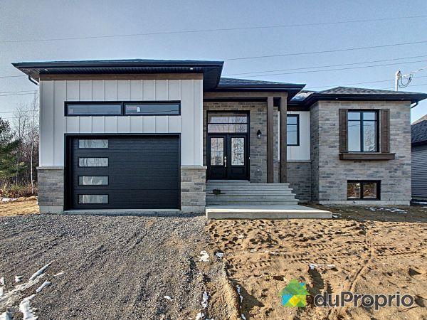 203 rue Plessis - Par Construction Serge Brouillette, Drummondville (Drummondville) for sale