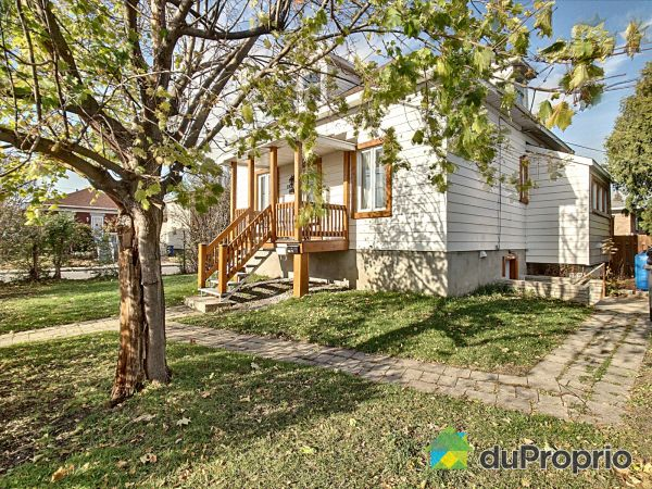 Front Yard - 1931 rue Laurier, Longueuil (Vieux-Longueuil) for sale