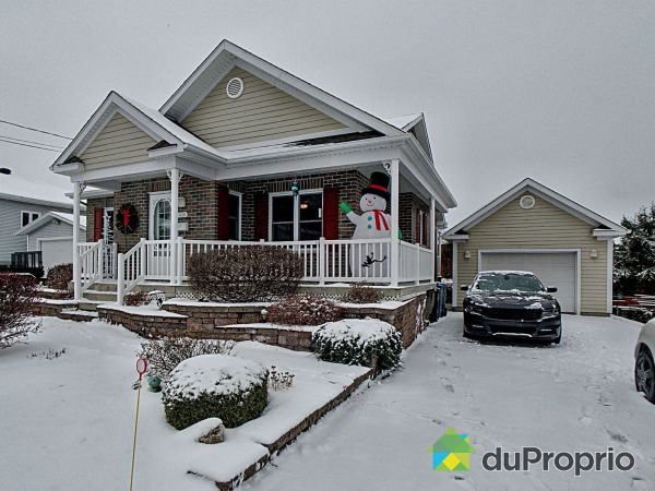 Winter Front - 430 rue Bourbeau, Granby for sale
