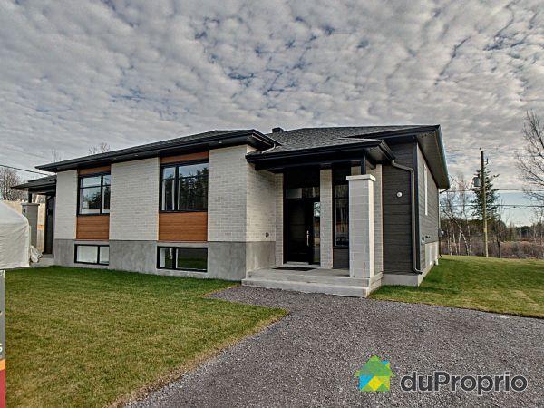 ., Québécoise 1 - rue P.-Dizy-Montplaisir - Par les Habitations Paul Dargis, Trois-Rivières (Ste-Marthe-Du-Cap) à vendre