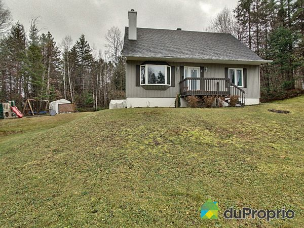 2 chemin du Triolet, St-Sauveur for sale