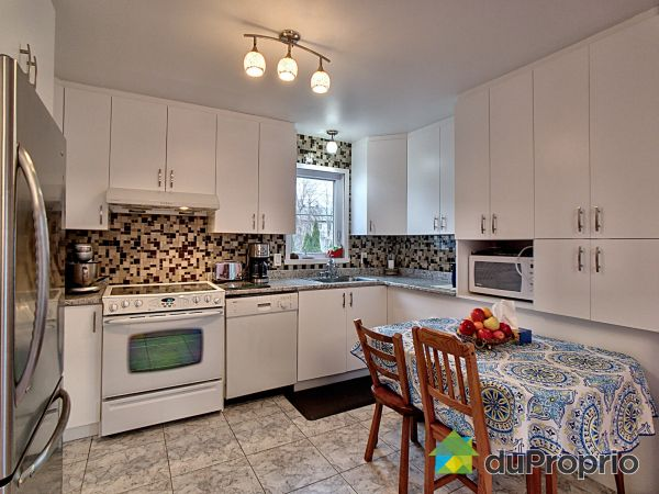 Apartment Kitchen - 473-473B, rue Bissett, St-Jean-sur-Richelieu (St-Jean-sur-Richelieu) for sale