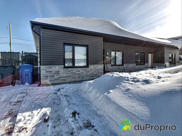 rue du Lis Blanc- Jumelé dalle sur sol - Par Construction M.L. inc, Chicoutimi (Chicoutimi) for sale