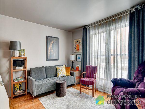Salon - 6889, avenue Rondeau, Anjou à vendre