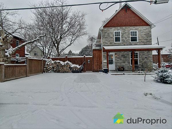 Winter Front - 14 rue Bégin, Gatineau (Hull) for sale