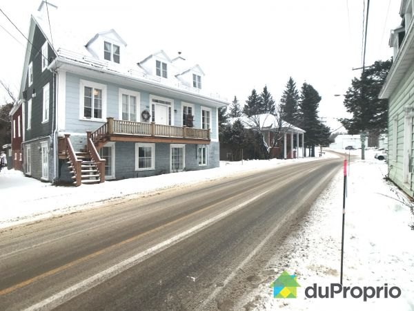 595-605, rue Tessier Est, St-Casimir for sale