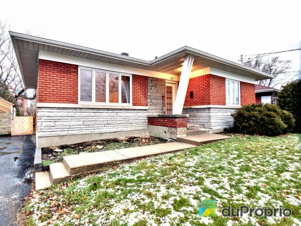 Winter Front - 237 rue Chambly, Longueuil (Greenfield Park) for sale