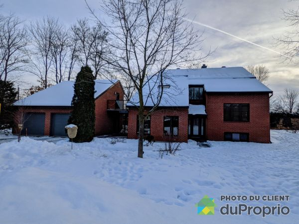 Winter Front - 18 rue Turenne, St-Charles-Borromée for sale