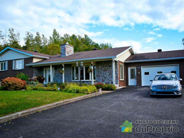 Summer Front - 905 boulevard Perron, Carleton-sur-Mer for sale