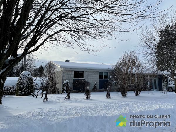Winter Front - 7 rue Théroux, Victoriaville for sale