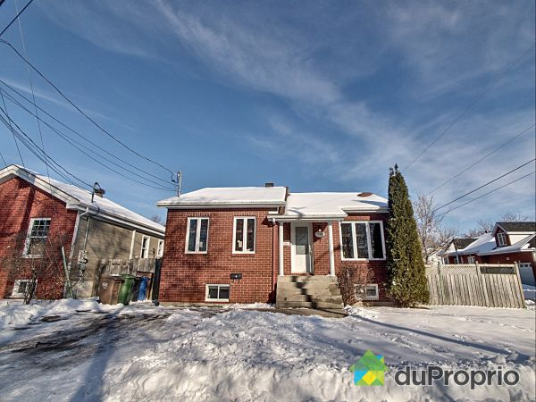 Winter Front - 745 rue Briand, Chambly for sale