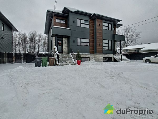 Winter Front - 874 rue Halifax, Sherbrooke (Rock Forest) for sale
