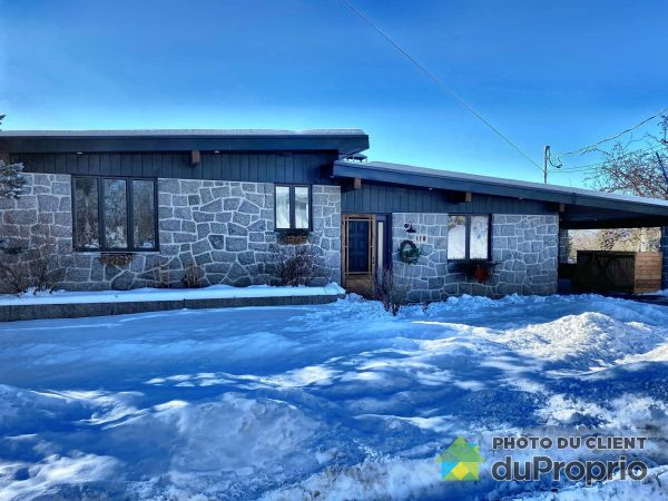 Winter Front - 118 avenue du Sentier, St-Raymond for sale