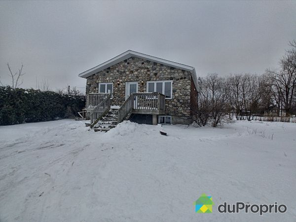 676 chemin Pion, Mont-St-Hilaire for sale
