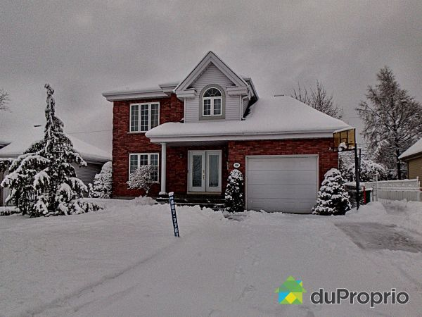 Winter Front - 236 rue du Golf, Mont-St-Hilaire for sale