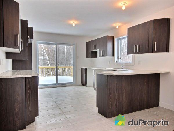 Kitchen - Maison modèle à visiter - 2415 rue Suzanne-Langevin - Par B2G2 Construction, Shawinigan (Shawinigan-Sud) for sale