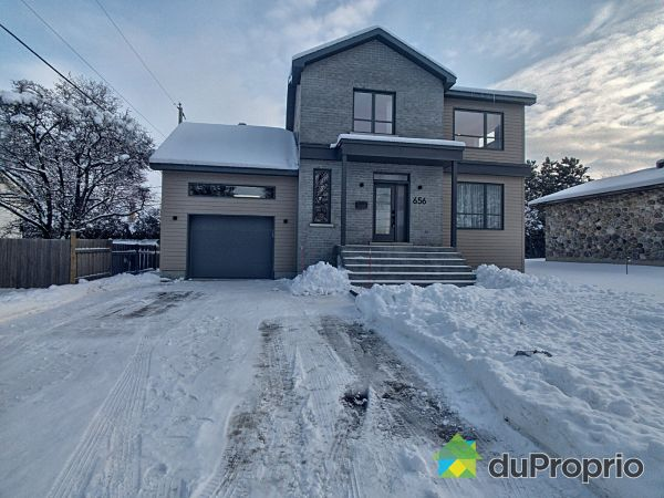 Winter Front - 656 rue Rimbaud, Mont-St-Hilaire for sale