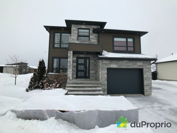 Winter Front - 1284 rue Leonide-Claveau, St-Félicien for sale