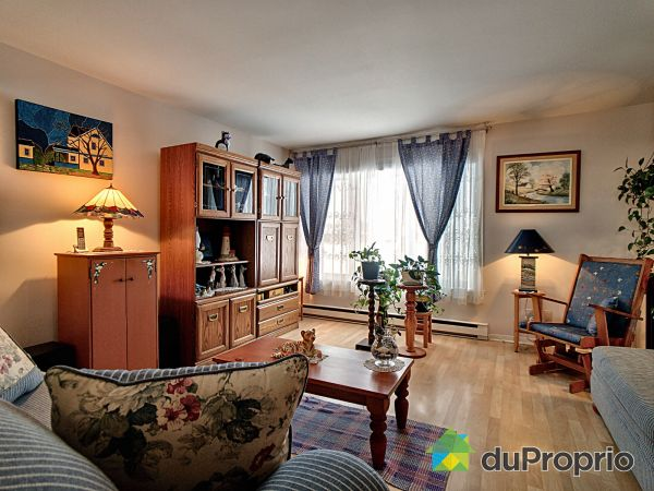 3595 rue Pincourt, Neufchatel for sale
