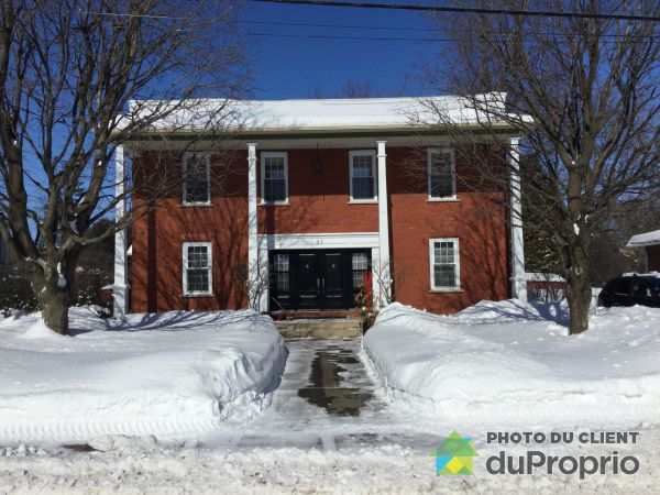 Winter Front - 37 rue Saint-Pierre, Chambly for sale
