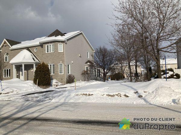 Winter Front - 2955 rue des Primevères, Duberger for sale