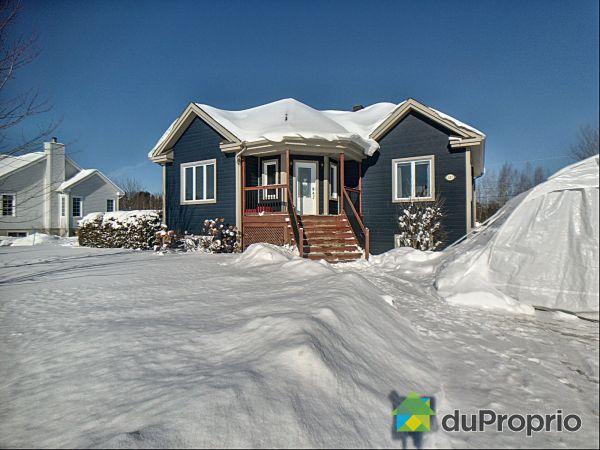 Winter Front - 121 rue de l'Emeraude, Cowansville for sale