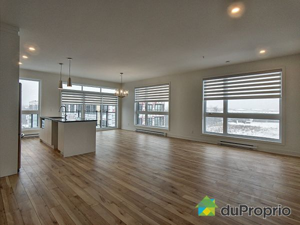 Dining Room / Living Room - 401-3660 rue Roland-Marquette, Longueuil (St-Hubert) for sale